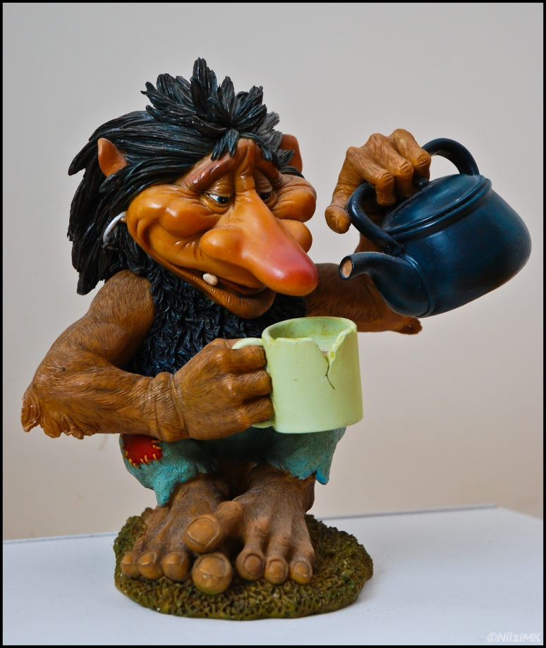 Troll pouring coffee